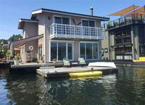 Interior Design For Mobile Homes Houseboat Living Flexibility And Style