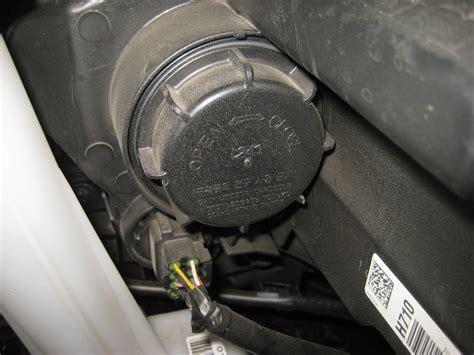 Kia Sportage Headlight Replacement Kia Sportage Headlight Bulbs Replacement Guide 012
