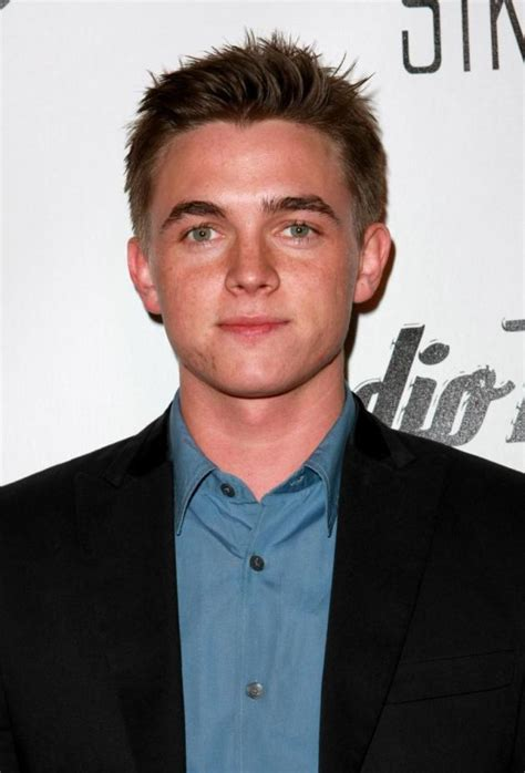 what s the gossip in hollywood jesse mccartney photos the hollywood gossip