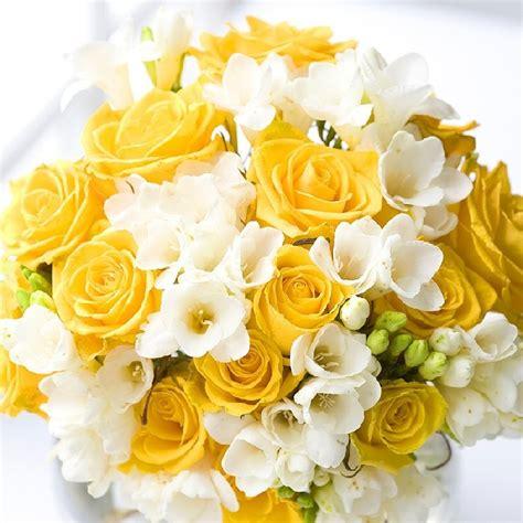 fiori di colore giallo foto bouquet colore giallo