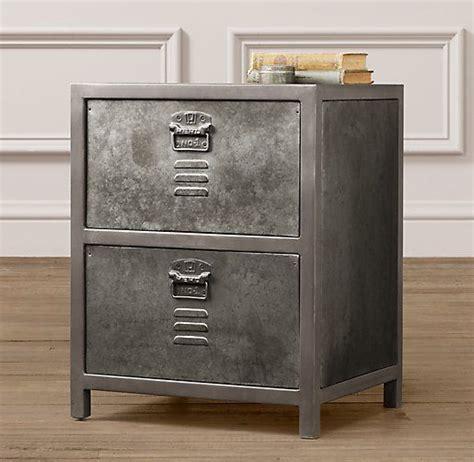 Locker Style Nightstand by Vintage Locker Nightstand Pour La Chambre Vintage