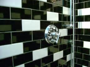 Bathroom Tiles Design Black Amp White Subway Tile In Random Pattern In Shower Flickr