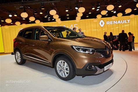 renault kadjar 2015 price renault kadjar crossover shows disappointing interior at