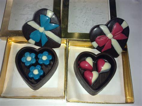 Kotak Kalung Bentuk Petak produk baru coklat praline 35 biji dreamchoc