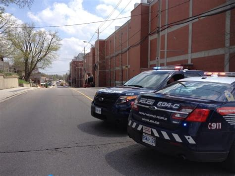 maple leaf gardens evacuated amid reports of fumes hundreds of workers evacuated from maple leaf plant ctv