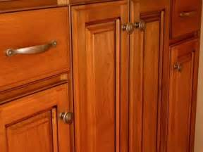 Knobs And Pulls For Kitchen Cabinets by Kitchen Cabinet Pulls And Knobs Cabinet Door Knobs