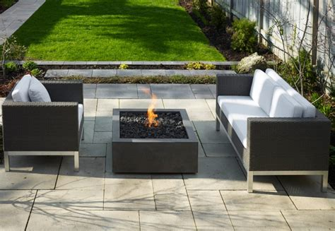 modern firepit patio designs with a firepit