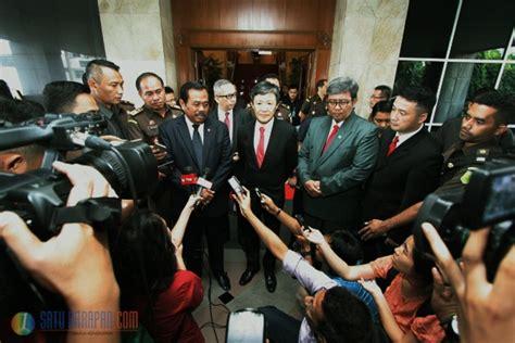 Politik Pemberantasan Korupsi Strategi Icac Hong Kong Dan Kpk Indones 3 Satu Harapan Komisioner Anti Korupsi Hong Kong Temui