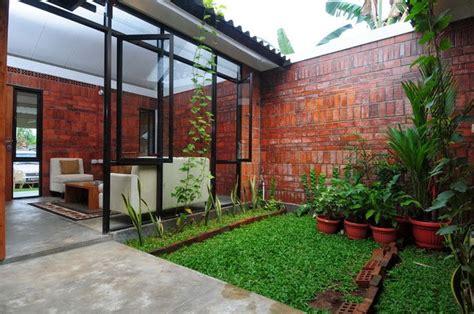 desain rumah dengan taman di dalam 10 ide dan desain taman minimalis di dalam rumah desain