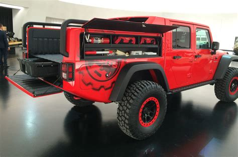 red jeeps jeep pulls back cover on wrangler red rock concept motor