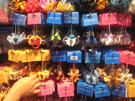 Keychain Jepang Souvenirs 60 best disney world tips to before you go suburban
