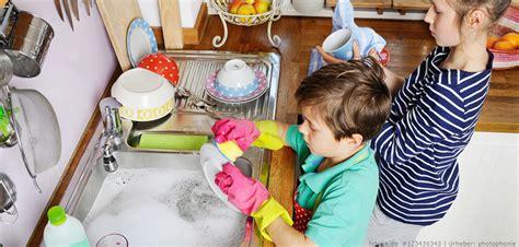Müssen Kinder Im Haushalt Helfen by Warum Und Welche Aufgaben Auch Kinder Im Haushalt