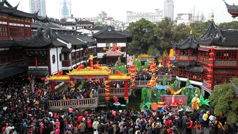 shopping in shanghai during new year visiting yuyuan garden and shopping area at