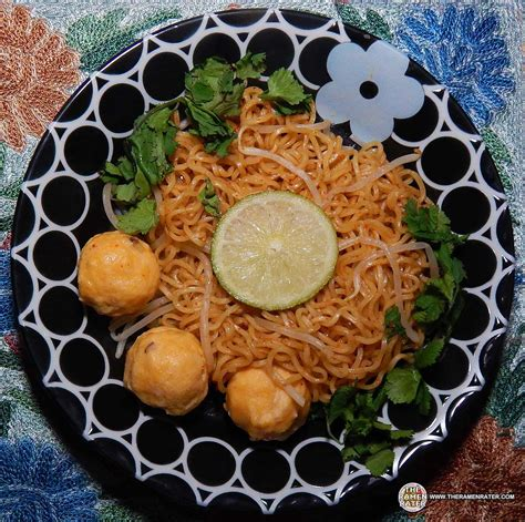 Mie Maggie Tom Yam fried instant noodles