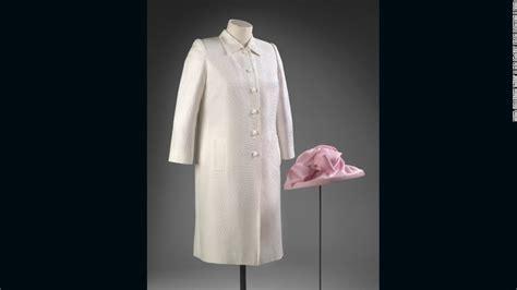 Elizabeth Wardrobe by What S Inside Elizabeth Ii S Closet Cnn