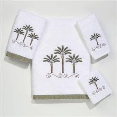 palm bathroom decor palm trees beach beach decor and bath towels on pinterest