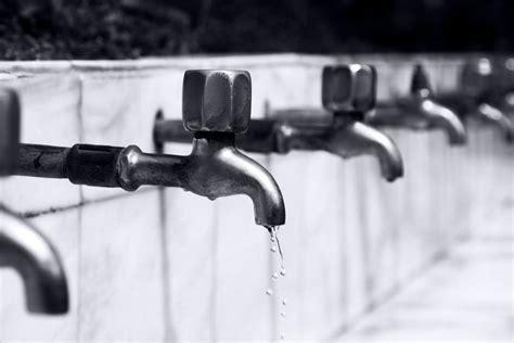 come riparare un rubinetto riparare le perdite di un rubinetto rubber plastic