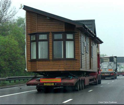 Moving A Modular Home | 4 things to consider before moving a manufactured home