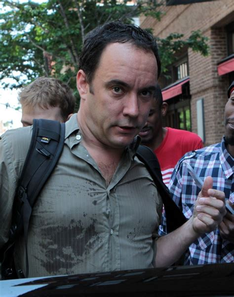 dave matthews fan dave matthews in dave matthews signs autographs in nyc