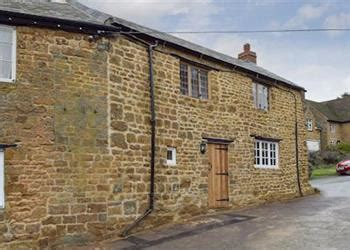 Friendly Cottages In Oxfordshire Uk Elephant Cottage From Cottages 4 You Elephant Cottage Is