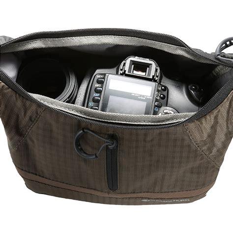 Vanguard Reno 18 Orange the bag looks at the reno series photo bags from
