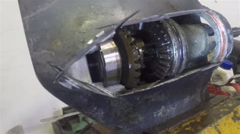 yamaha outboard motor gearbox how an outboard gearbox works youtube