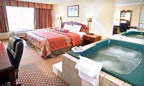 hotels in cleveland with tub in room 51 one room stay for two wyndham garden arbor groupon