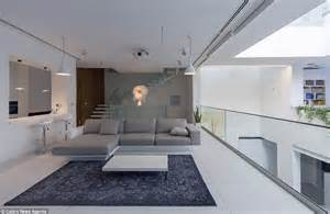 Home Design Loja Tehran Home With Moveable Rooms All At Push Of A Button