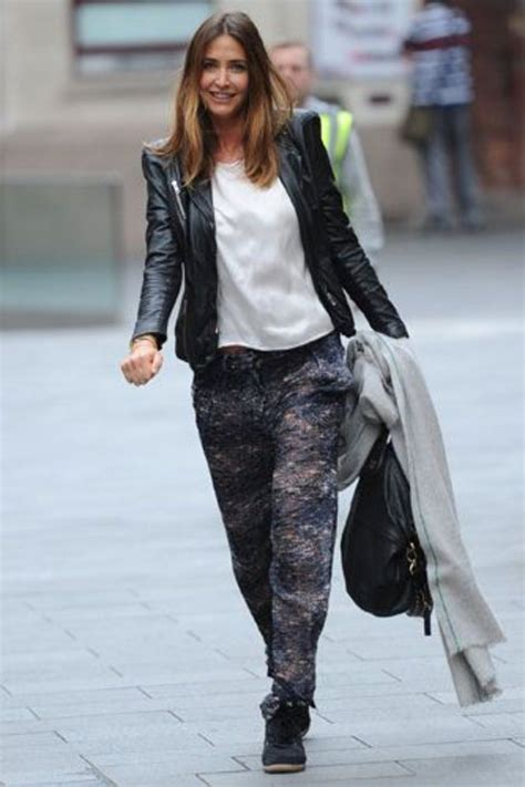 favorite fictional and real fashion apps w lisa schwartz sidewalk style the best off duty celebrity outfits stylist