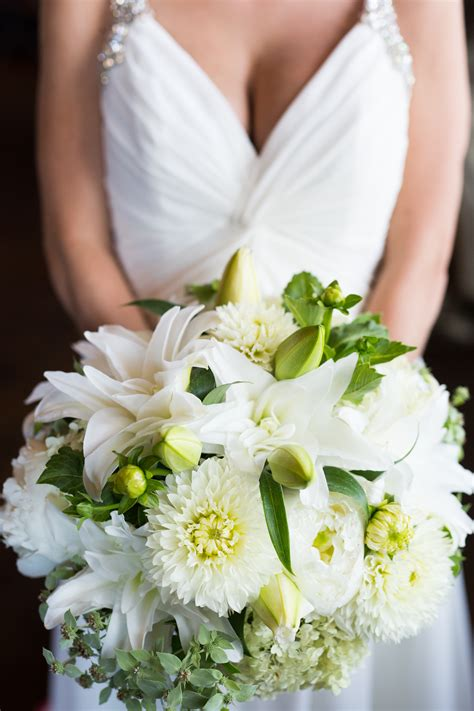 Local Flowers by Local Nc Wedding Bouquets Southern And Groom Magazine
