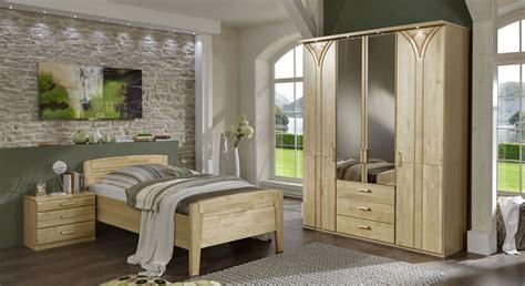 schlafzimmer birke seniorengerechtes schlafzimmer komplett birke teilmassiv