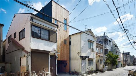 japan skinny house japanese skinny house reaches skyward curbed