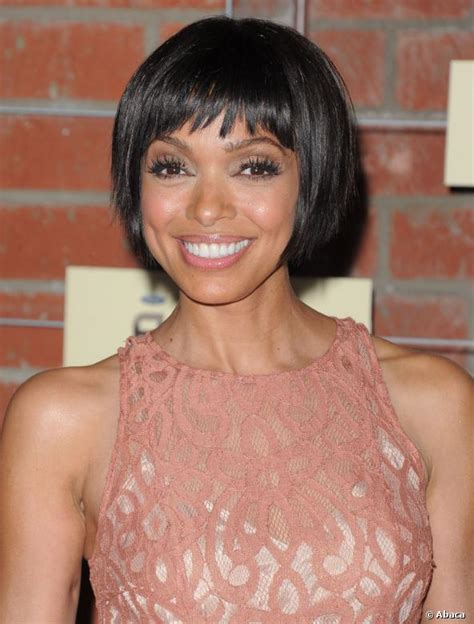 tamara taylor hairstyles changes from long to short tamara taylor affiche un carr 233 court tr 232 s sixties qu elle