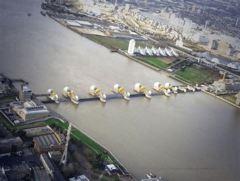 thames barrier scheduled closure this is what london would have looked like last night