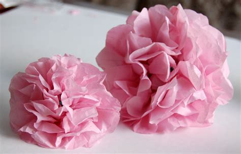 create and easy tissue paper flowers in minutes