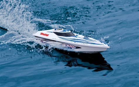 traxxas rc boat racing traxxas blast rc racing boat review best buy blog