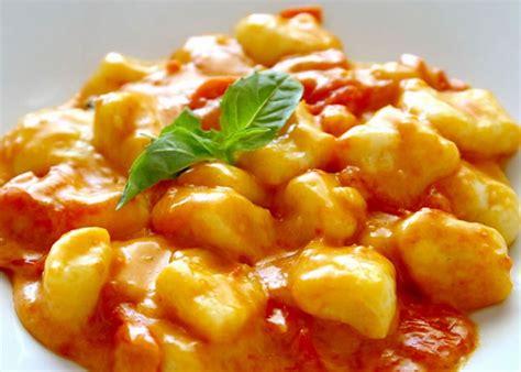 come cucinare gli gnocchi di patate gnocchi alla sorrentina kung food
