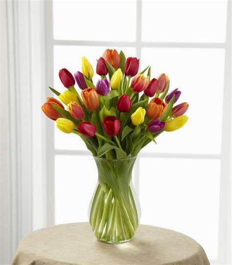 imagenes de jarrones minimalistas arreglos florales con tulipanes decoraci 243 n de interiores