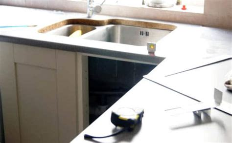 laser templating your kitchen for granite or quartz