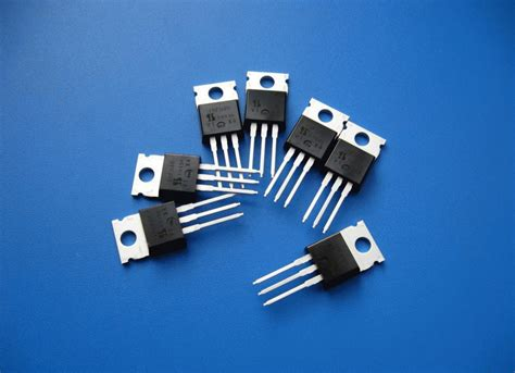 is a transistor an integrated circuit billions of transistors factspy net