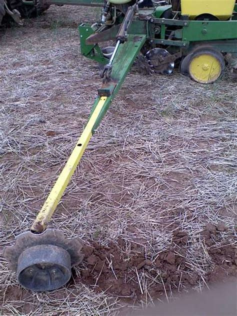 viewing a thread single disk fertilizer openers for jd