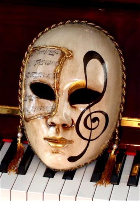 allegro treble clef lifesize home decor mask