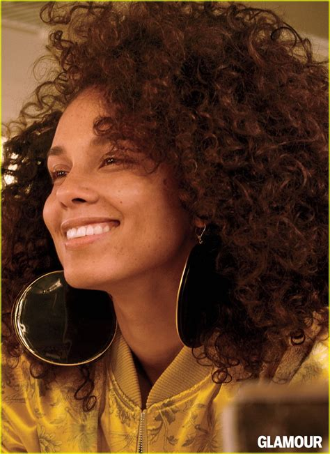 senegal glamour photo alicia keys shares what it s like to go makeup free for a