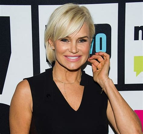 yolanda fosters hair yolanda foster chops off her hair amid lyme disease
