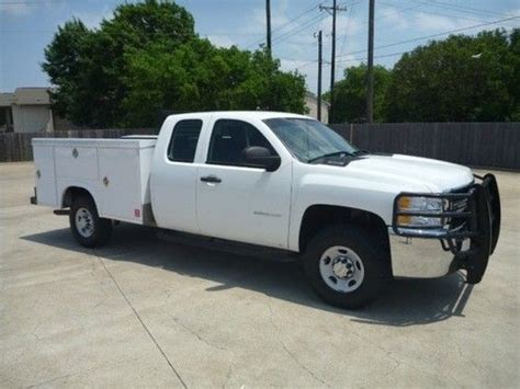 royal utility bed purchase used 2010 chevrolet silverado 2500 royal utility
