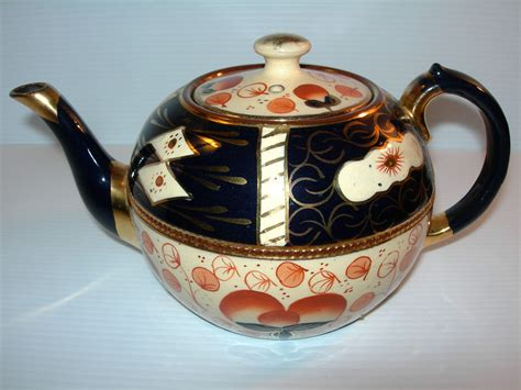 wonderful antique gaudy imari teapot