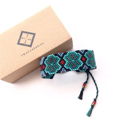 Tenun Gelang 4 1000 images about bijoux perles manchettes on loom beading bracelets and bead