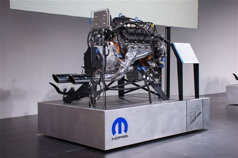 392 Hemi Crate Engine mopar makes it easy to put a hemi engine into everything