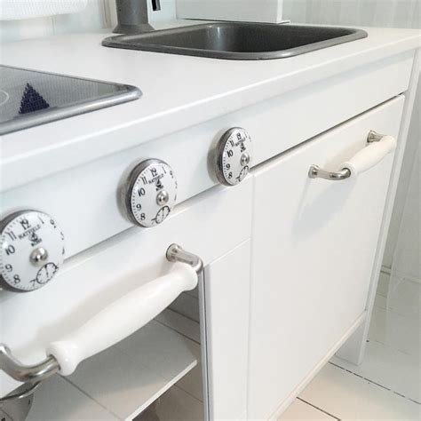 Play Kitchen Knobs by 25 Best Ideas About Play Kitchen On