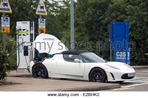 Tesla Electrical Services Tesla Roadster Battery Electric Vehicle With Extruded